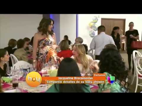 Jacqueline Bracamontes bella a sus 7 Meses de Embarazo