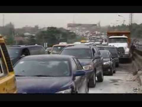 Traffic jam in Lagos as motorists queue for fuel