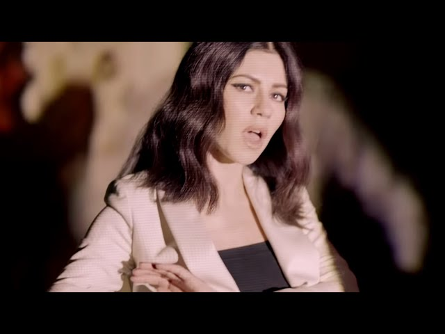"""play video: MARINA AND THE DIAMONDS 