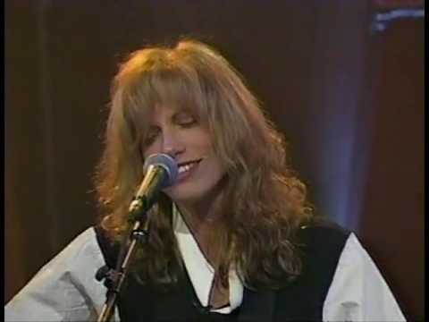 Carly Simon - Touched By The Sun