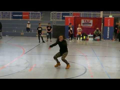 Denise 1.platz Solo Girls Kinder Hiphop Deutschland Cup 2014 Essen video