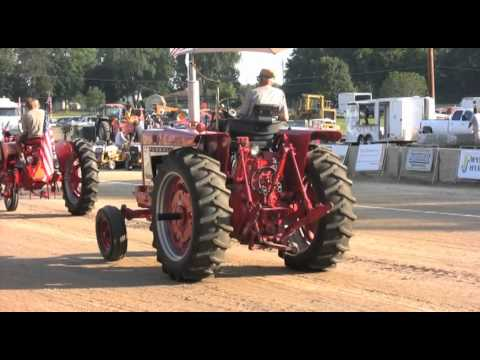 Tractor Parade at Whiteside County Fair