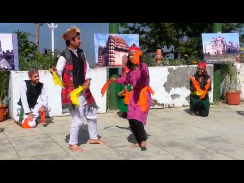 Himachali Nati Lbsnaa video