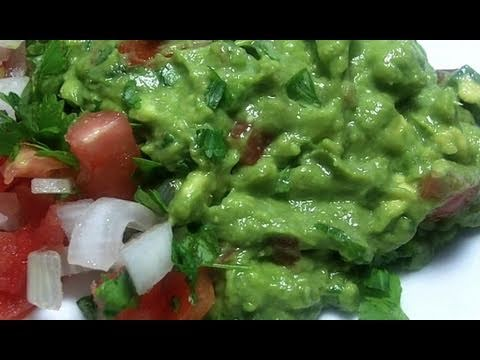 Fresh easy guacamole recipe divas can cook watch me make this fresh easy guacamole recipe from start to finish forumfinder Choice Image