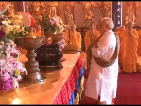 Narendra Modi visits Daxingshan Temple in China