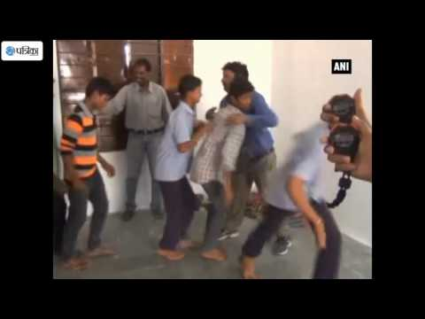 Indian Man Breaks The Hugs world record In 60 Second's
