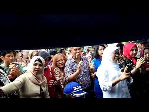 kunjungan menteri sosial di tolitoli jln anoa kel tuweley sulteng