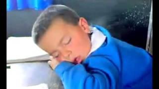 Oglum niye uyudun?