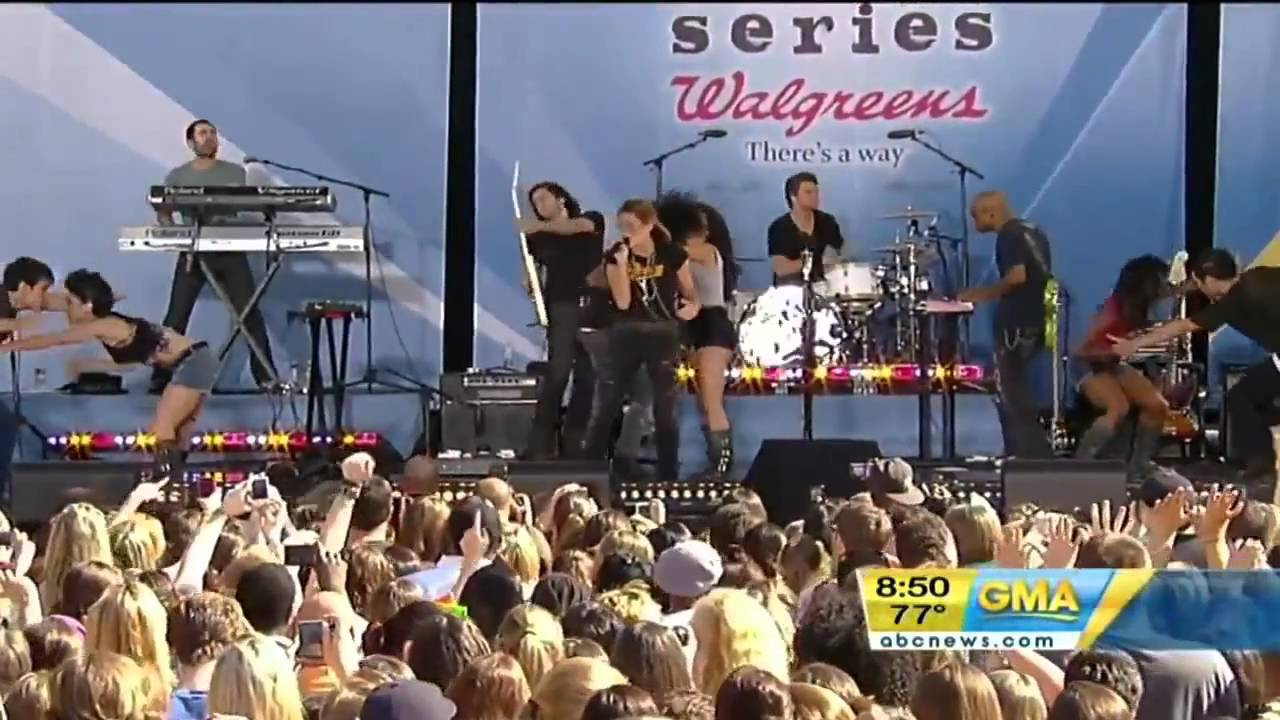 Good Morning America Robot : Miley cyrus robot live at good morning america youtube