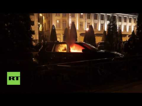 France: Protesters storm banks, burn cars and battle riot police in Rennes