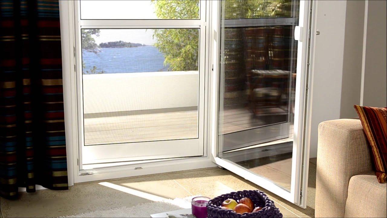 insektenschutz hund bedient pendelt r youtube. Black Bedroom Furniture Sets. Home Design Ideas