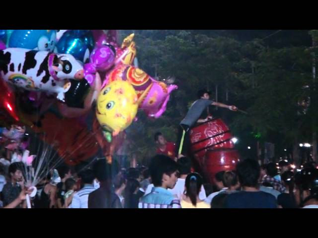 Tet trung thu 2013, mua su lan, mua rong lon nhat Hai Phong, tuong 3