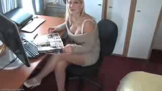 Secretary big boobs, big tits !!!