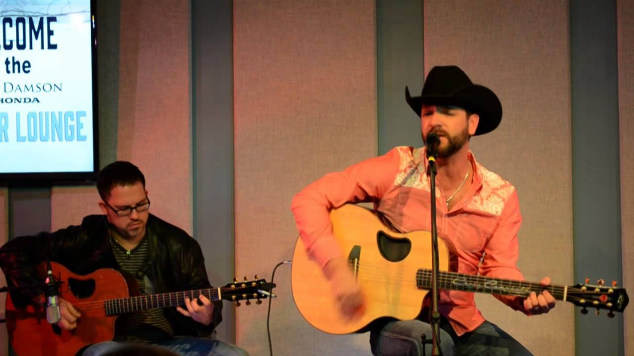 Craig Campbell Sings Keep Them Kisses Comin Live Youtube