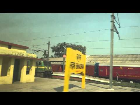 Howrah - Yeshvantpur Duronto Skips South Eastern Railway, Bhadrak video