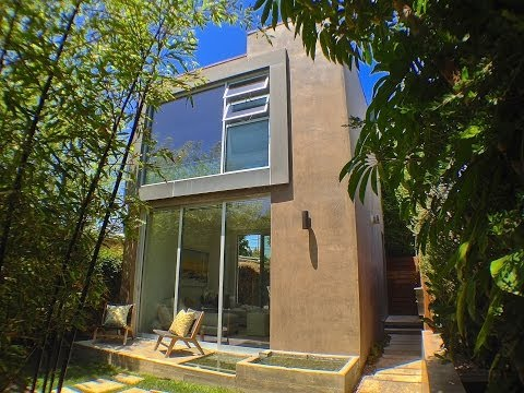 635 Oxford Avenue - Venice Beach Modern Home For Sale - $1,850,000