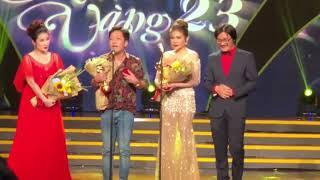 Clip Trường Giang công khai cầu hôn Nhã Phương trong đêm trao giải Mai Vàng