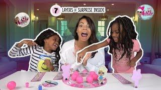 LOL Doll Surprise Game! Lil Sister vs Big Sister