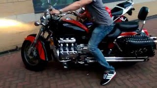 Honda Valkyrie - Cobra exhaust sound without bafflers http://www.valkyrieownersclub.com