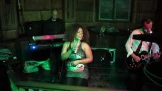 "Janyssha ""Lyon Project"" - Addicted to you (Acoustic) The Abbey Tavern (Torrevieja) 27/2/2015"