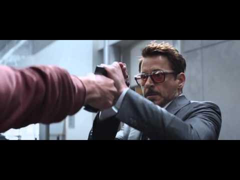 Captain America: Nội Chiến Siêu Anh Hùng - Clip #4: Toàn đội vs Bucky thumbnail