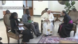 """Romereports Vaticano Videos del Papa Francisco Homilias - El Papa a la mujer sudanesa condenada por ser cristiana: """"Gracias por su testimonio"""""""