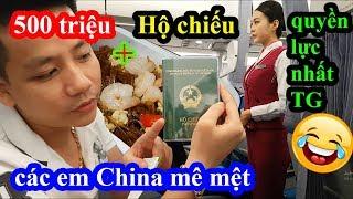 Hai lúa mang theo 500 triệu lên máy bay khoe hộ chiếu quyền lực làm em tiếp viên china nhìn say đắm