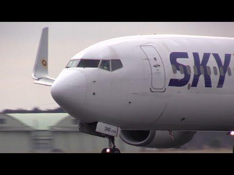 [目の前をド迫力離陸]Skymark Airlines Ibaraki Airport Takeoff Boeing 737 JA73ND