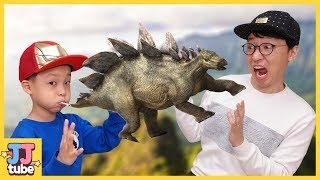 공기를 넣으면 쥬라기 월드 공룡이 살아나요! 공룡 풍선색칠 공부 마법 놀이 Dinosaur Balloon toys Marker Challenge  [제이제이 튜브-JJ tube]