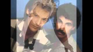 Watch Hall  Oates Your Imagination video