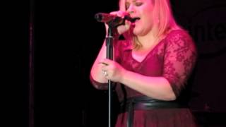 "Download Lagu Kelly Clarkson covers Little Big Town's ""Girl Crush"" Gratis STAFABAND"