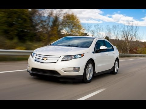 AutoTech - 2013 Chevrolet Volt Review