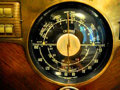 Zenith 8S563 Antique Radio Playing