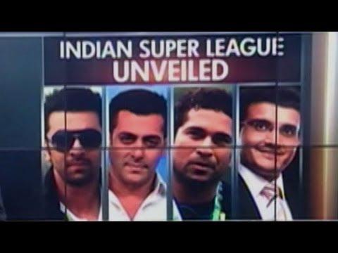 Sachin Tendulkar, Salman Khan invade football field