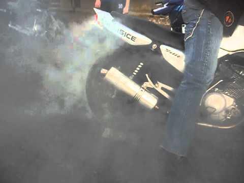 Yamaha Ybr 125 burning tire MK Lisice Slakovci (2)