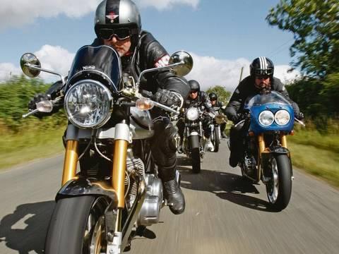 Norton Commando v Triumph Thruxton v Hyde Harrier v Enfield Clubman