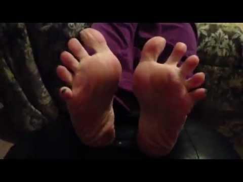 Sexy nylon soles FeetWeek