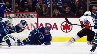Gotta See It: Miller robs Perry with desperation glove save
