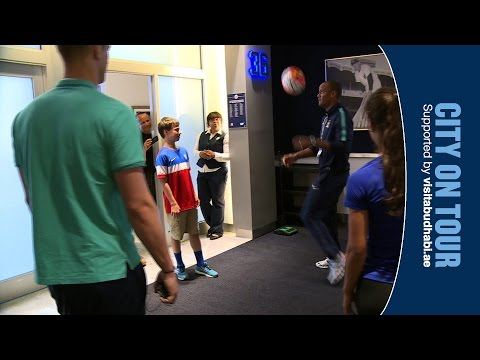 KOMPANY TACKLES HART IN FANS SURPRISE | City On Tour