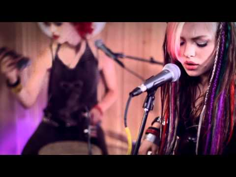 Cherri Bomb - Too Many Faces (Live @ Guitar Center, 2012)