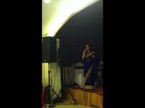 Prerna Srivastava singing baahon me chale aao