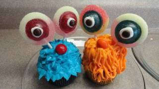 Decorating Cupcakes #10:  Cute Monsters (Butter cream frosting recipe and tutorial)