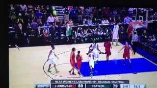 Kim Mulkey Baylor Women's coach rips off jacket and loses her mind vs Louisville
