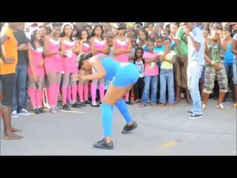 Nikon D5000 VIDEO  test dancing  in jamaica