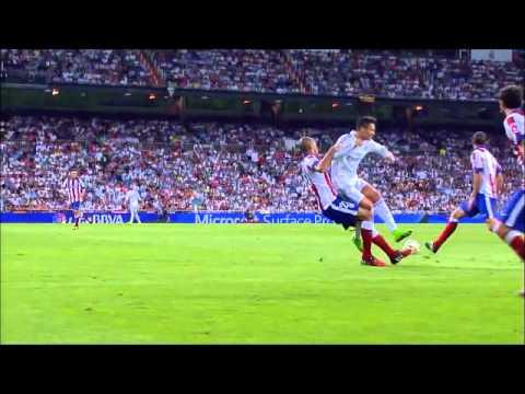 Cristiano Ronaldo elbows Miranda