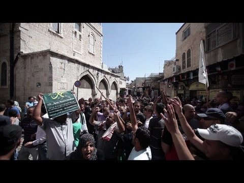 Palestinians protest anti-Islam film and cartoon