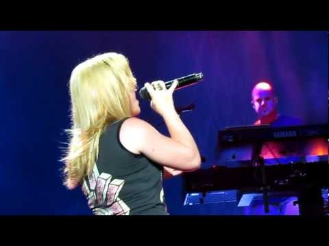 Kelly Clarkson shake It Out Holmdel 8 26 12 video