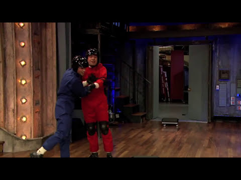 Alligator Race with Taylor Lautner (Late Night with Jimmy Fallon)