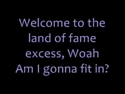 Miley Cyrus - Party In The Usa Lyrics video