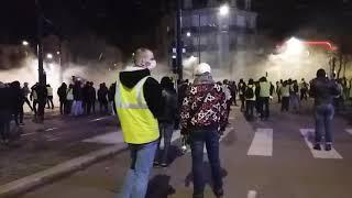 Gilets jaunes à Dijon : dégradations place de la République